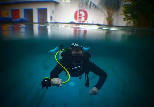 PADI Pro Course Swimming Pool Session