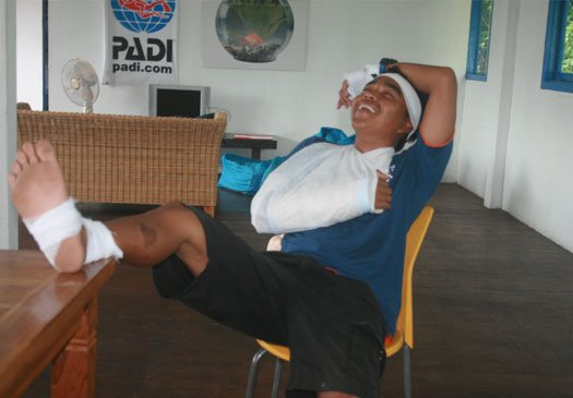 Learn life saving skills during your EFR course on Bali