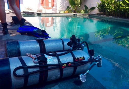 When 1 tank is not enough the PADI Sidemount Course