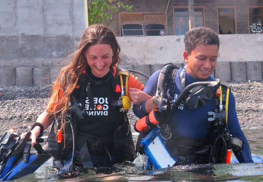 We offer a wide range of PADI courses