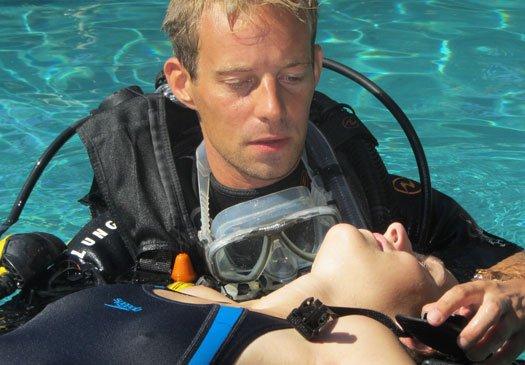 Doe de PADI rescue diver cursus