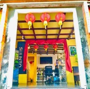 Joesgonediving reception front door